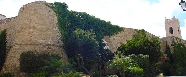 Abahana Villas - Muralla del casco antiguo de Calpe.