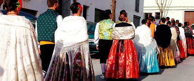 Abahana Villas - Vestimenta típica en las fiestas de Teulada-Moraira.