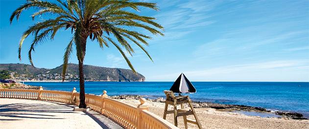 Turismo Moraira - Paseo de la playa Les Platgetes.