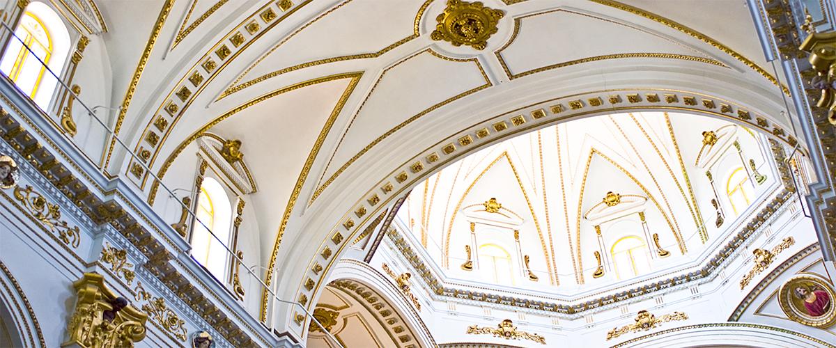 Abahana Villas - Interior of the church of Altea.