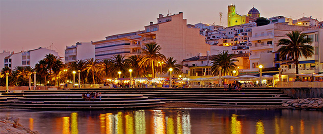 Turismo Altea - Night views of the town.