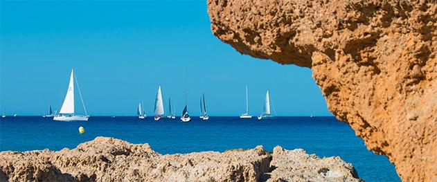 Abahana Villas - Departure of the regatta from El Cantal beach in Calpe.