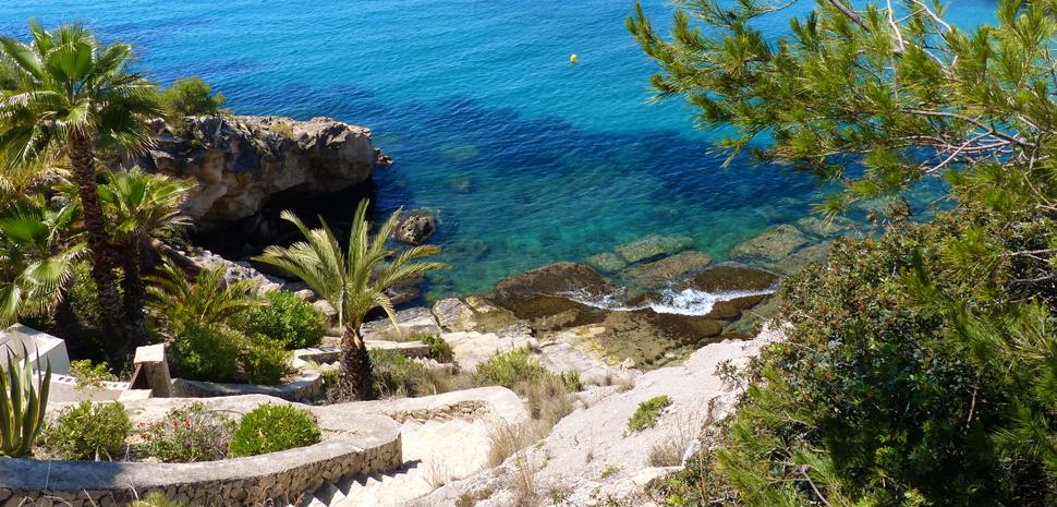 Abahana Villas - Descent to the Cove del Portitxol of Moraira.