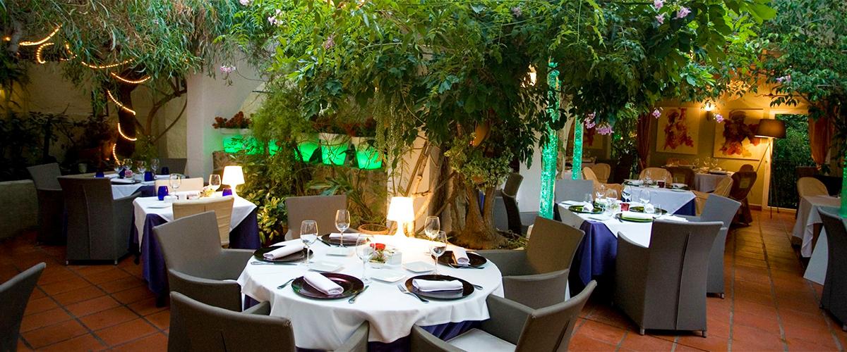 Abahana Villas - Ресторан Oustau застекленная в Altea.