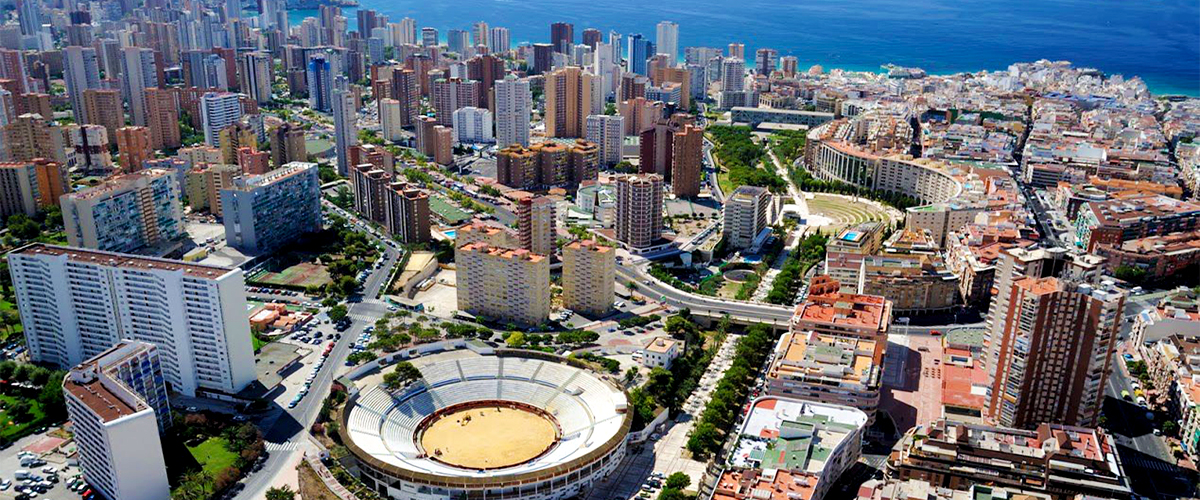 Abahana Villas - Aerial view of the bullring of Benidorm.