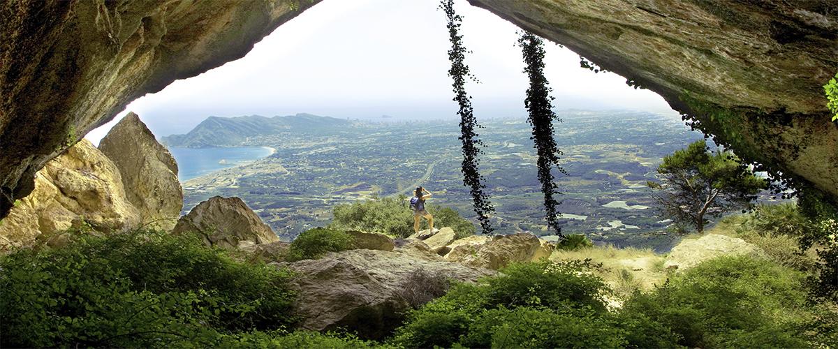 Abahana Villas - Vistas de Altea desde el Forat de la Sierra de Bernia.