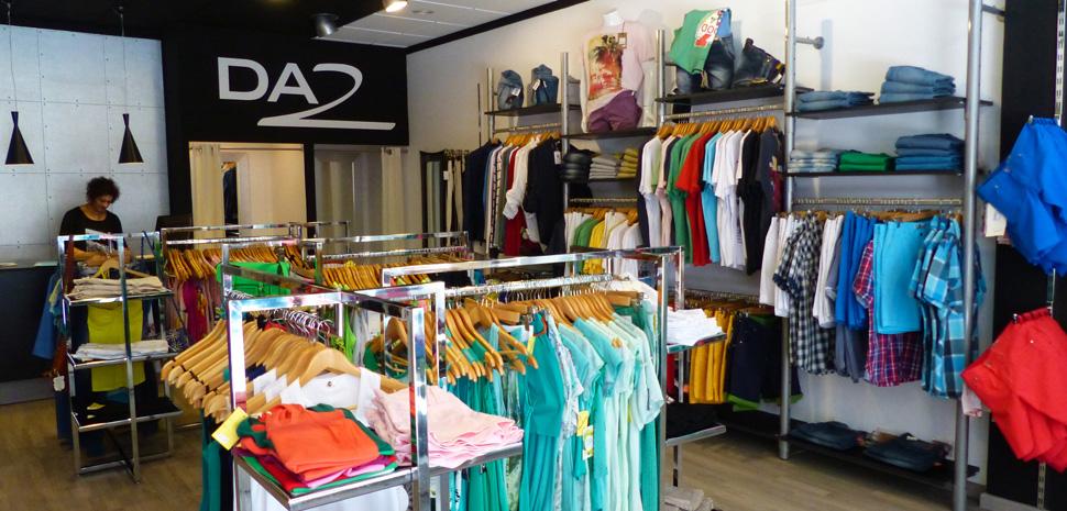 Abahana Villas - Fashion man and woman at the Da2 boutique in Calpe.