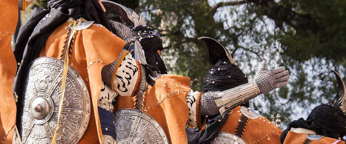 Abahana Villas - Detail of the dress in the festival of Moors and Christians in Benissa.
